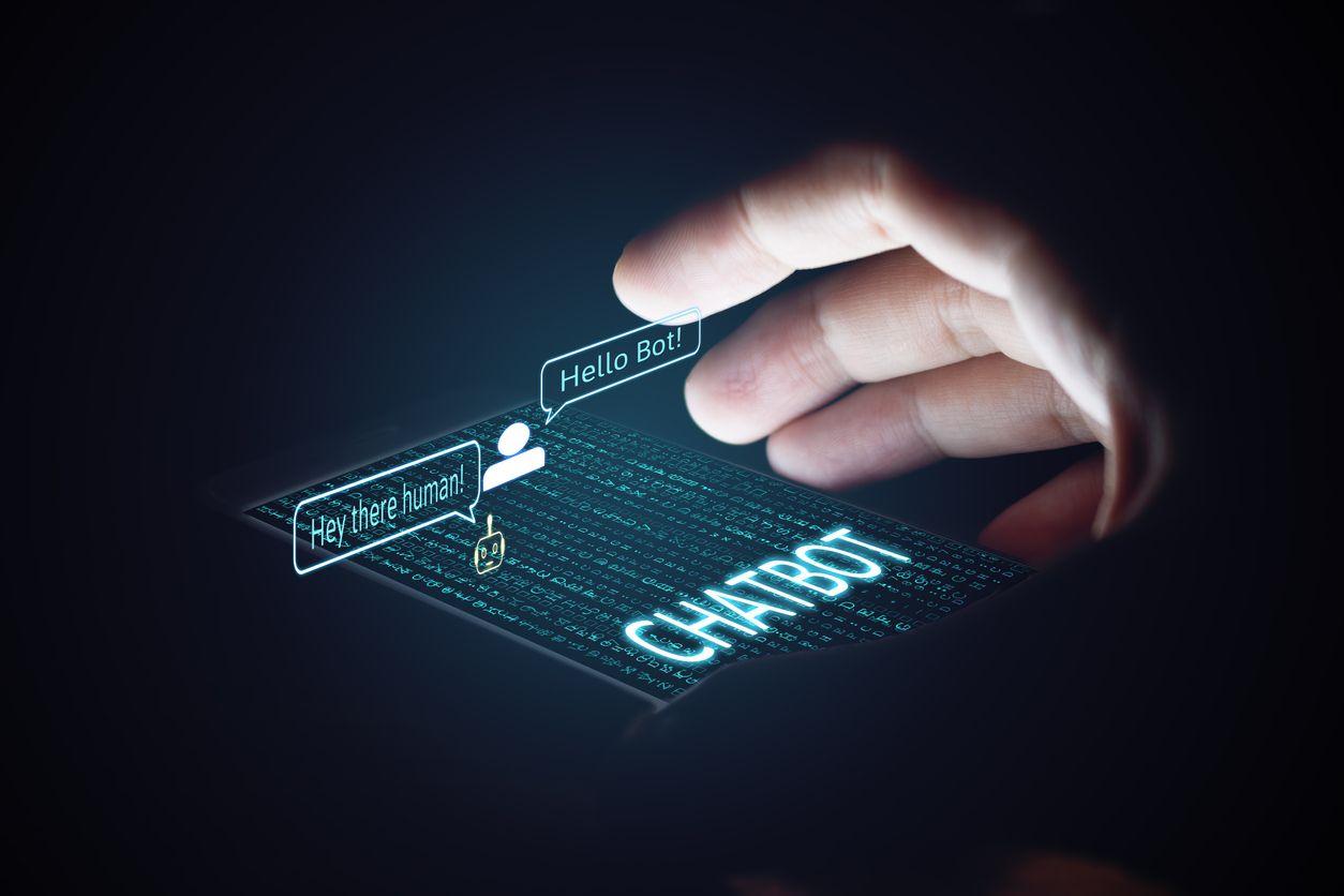 Crear chatbot para tu negocio: ¿por qué debes hacerlo con NLP?