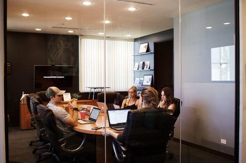 ¿En qué aspectos impacta principalmente la metodología agile en HR?